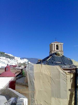 20061115151453-iglesiaobras1.jpg